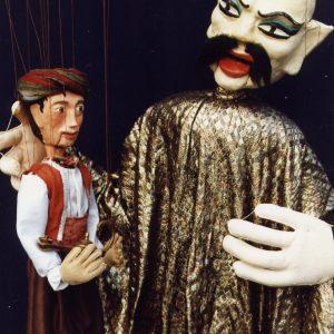 Personaje Aladino y Genio de espectáculos de títeres profesionales de Hilando Títeres