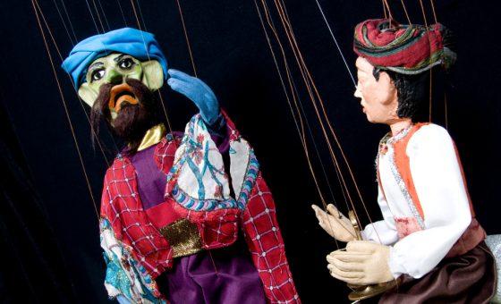 Marionetas del espectáculo Aladino y la lámpara maravillosa