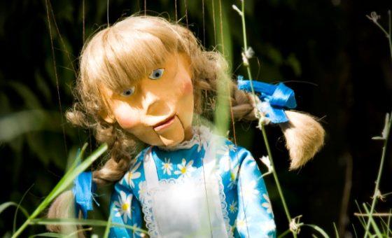 Marioneta de Alicia en el país de las maravillas