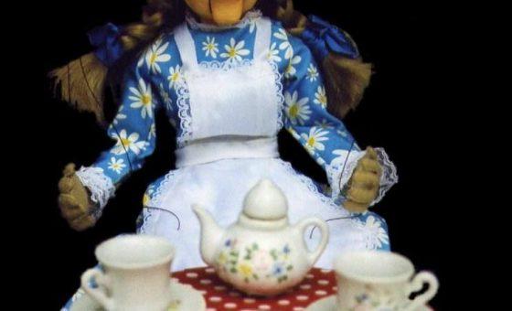 Marioneta de Alicia en la Merienda