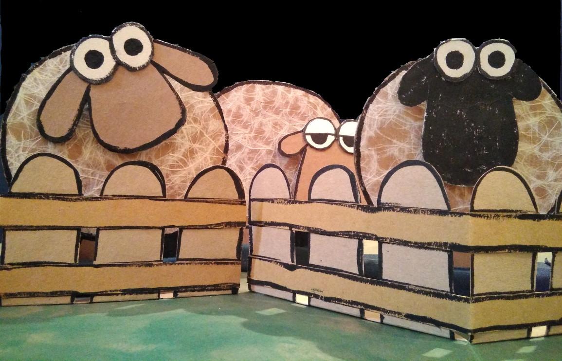 Ovejas tras la valla, Marionetas del espectáculo de títeres BEE El rebaño