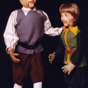 Gigante y El sastrecillo valiente del cuento de Grimm con marionetas