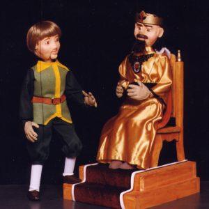 El sastrecillo del cuento de Grimm con marionetas